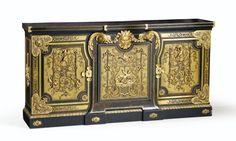 Bibliothèque basseen placage d'ébène, bois noirci et marqueterie encontre-partie de cuivre et d'écaille, XIXe siècle, incorporant probablementdes éléments du XVIIIe siècle   Lot   Sotheby's