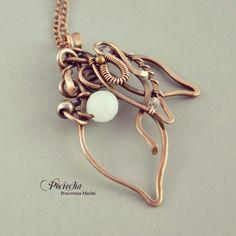 #white #pendant #necklace #copper #wirewrapping #handmade #jewelry #jewelrydesign by Pracownia Miedzi Pociecha