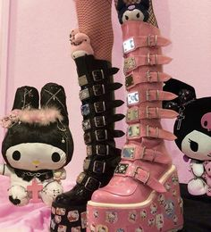 Grunge Outfits, Edgy Outfits, Grunge Boots, Goth Boots, Mode Kawaii, Kawaii Goth, Aesthetic Shoes, Aesthetic Grunge, Pink Aesthetic