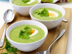 En riktig vitaminbomb i läckert grön färg. Servera soppan med ett nybakat bröd. Paleo, Vegan Vegetarian, Vegetarian Recipes, Healthy Recipes, Sopa Detox, Veggie Soup, Swedish Recipes, Broccoli, I Foods
