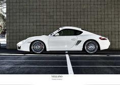 Porsche Cayman Fitted With 20 Inch Vellano VSM
