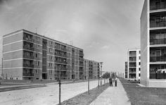 Kilián-dél, Gagarin utca a Benedek Elek utca felől nézve.1965 Multi Story Building, Retro, Retro Illustration, Mid Century