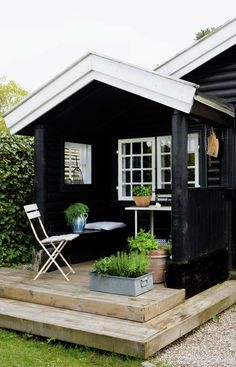 Tiny House Living In A Small Space Plans Interior Cottage - Home, Room, Furniture and Garden Design Ideas Shed Design, Garden Design, Patio Roof Covers, Outdoor Living, Outdoor Decor, Tiny House Living, Cottage Homes, Hygge, Architecture