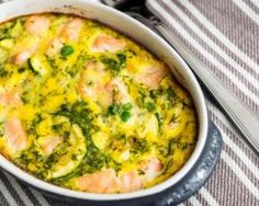 Salmon and leek clafoutis with thermomix Fish Recipes, Dog Food Recipes, Healthy Recipes, Keto Recipes, Dinner Recipes, Make Dog Food, Easy To Cook Meals, Dinner With Ground Beef, Food L