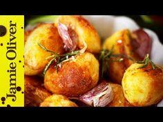 Jamie's perfect roast potatoes: Jamie Oliver Roasted Potato Recipes, Roasted Potatoes, Crispy Roast Potatoes, Potato Vegetable, Vegetable Recipes, Veggie Food, Batata Potato, Perfect Roast Potatoes, Jamie Oliver Roast Potatoes
