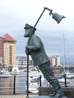 File:Whimsical Statue, Swansea Marina - geograph.org.uk - 1483186.jpg - Wikimedia Commons