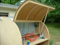 Build your own teardrop trailer from the ground up – The Owner-Builder Network Teardrop Trailer Interior, Teardrop Trailer Plans, Building A Teardrop Trailer, Teardrop Camper Trailer, Airstream Interior, Vintage Airstream, Vintage Campers, Small Camper Trailers, Diy Camper Trailer
