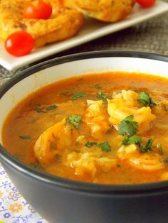 Une délicieuse soupe de crevettes très facile à préparer et rapide aussi. Ma fille qui n'aime pa...