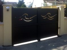 Laser cut style gate