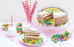 Tęczowy tort mascarpone z kremem czekoladowym. Smakowity przysmak na Dzień Dziecka! #intermarche #tort #dziendziecka