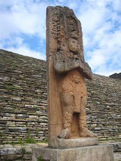 TzotzChoj  Toniná (La casa de piedra o El lugar donde se levantan esculturas en piedra en honor del tiempo). Joya arqueológica maya