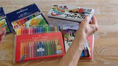 Kreativ med børn med farveblyanter, tusser og vandfarver