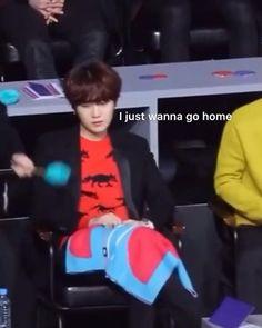 Bts Selca, Bts Taehyung, Bts Jimin, Bts Funny Videos, Bts Memes Hilarious, Die Beatles, Bts Dancing, Bts Korea, Bts Funny Moments