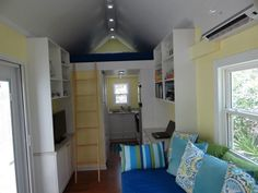 Little Beach Cottage on Wheels: By SignaTour Tiny Houses