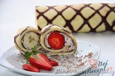 Malovaná roláda s jahodami a banánem | NejRecept.cz Nutella, Sushi, Panna Cotta, Cheesecake, Ethnic Recipes, Food, Pastries, Cakes, Drinks
