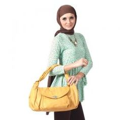 FAZILA  DAANIA HIJAU  Rp 199,900.00  warna: Hijau, Kuning, Orange & Ungu  II www.fashionbiz.co.id Muslim, Turtle Neck, Orange, Sweaters, Fashion, La Mode, Pullover, Islam, Fashion Illustrations