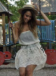 love this outfit and photo!