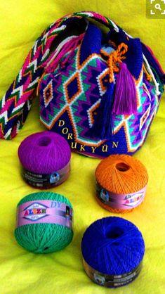 Crochet Handbags on the Go - BagBagg Mochila Crochet, Crochet Tote, Crochet Handbags, Crochet Purses, Chat Crochet, Crochet Chart, Love Crochet, Beautiful Crochet, Tapestry Crochet Patterns