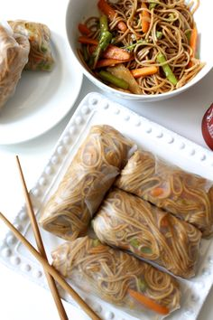 These Teriyaki Soba Noodle Spring Rolls are packed with crunchy veggies and saucy noodles. Plus, they're vegan and gluten free! I Love Food, Good Food, Yummy Food, Tasty, Vegetarian Recipes, Cooking Recipes, Healthy Recipes, Food Goals, Asian Recipes