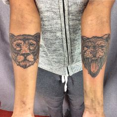 Thank you Stéphanie ! ——————————————————– Email handjob.booking@gmail.com for appointment Tattooing @toe_loop_tattoo_berlin / @la_boucherie_moderne_brussels ——————————————————– #moreblackink #berlintattoo #onlyblackart #lion #lionne #head #small #tattoo #blackworkerss...