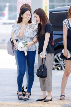 Basic Outfits, Kpop Outfits, Casual Outfits, Selena Gomez Photoshoot, Myanmar Dress Design, Red Velvet Irene, Korea Fashion, Airport Style, Celebrity Dresses