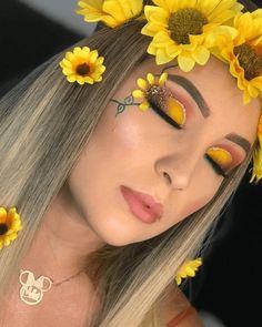 Pin by Sara Livia on Maquiagem in 2020 Yellow Makeup, Red Makeup, Eye Makeup Art, Crazy Makeup, Colorful Makeup, Beauty Makeup, Cool Makeup Looks, Creative Makeup Looks, Cute Makeup