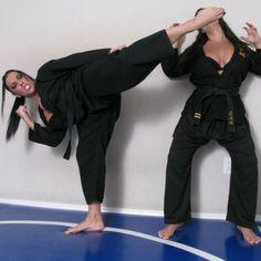 Martial Arts Gi, Martial Arts Women, Photography School, Fashion Photography, Taekwondo Video, Female Martial Artists, Karate Girl, Barefoot Girls, Cosplay