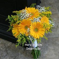 Wedding Flowers Daisies Gerbera Yellow 22 Ideas For 2019 Gerbera Wedding Bouquets, Gerbera Daisy Bouquet, Daisy Wedding Flowers, Yellow Bouquets, Prom Flowers, Bridal Flowers, Yellow Flowers, Bouquet Flowers, Bouquet Champetre