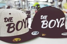 Styleyourcap wir besticken Snapback Caps individuell ab der ersten Kappe! Snapback Caps, Hats, Hat, Hipster Hat