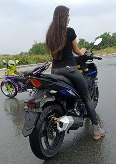 Alexandra Daddario, Biker Girl, Biker Chick, Girls On Bikes