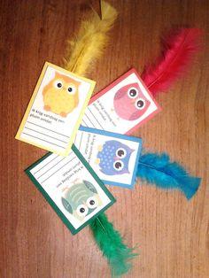 Vandaag verdien ik een pluim omdat... Op de website van juf Lenny kwam ik deze leuke uilenpluimen tegen. Wanneer een kind echt een pluim verdient, krijgt hij of zij een van deze kaartjes (met pluim...
