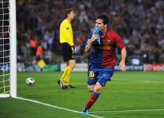 Lionel Messi of Barcelona celebrates scoring the second goal for Barcelona during the UEFA Champions League Final match between Barcelona and Manchester United at the Stadio Olimpico on May 2009 in Rome, Italy. Cr7 Vs Messi, Messi Soccer, Pep Guardiola, Camp Nou, Cristiano Ronaldo, Messi Champions League, Real Madrid Atletico, Manchester United Team, Europe