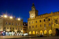 Piazza Maggiore di notte
