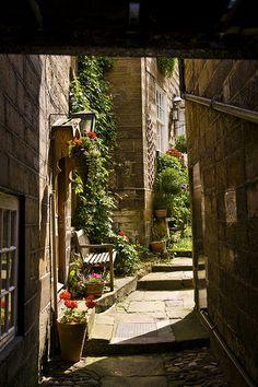 Robin Hood's Bay Alleyway - Yorkshire, England