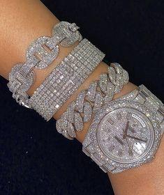 Cute Jewelry, Jewelry Accessories, Fashion Accessories, Jewelry Design, Unique Jewelry, Fancy Watches, Princess Jewelry, Luxury Jewelry, Fashion Rings