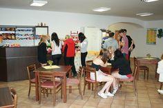 SŠCR Rožnov p.R., v bufetu školy. #sscr #Rožnov #Valašsko #Beskydy #management #turismus #masér #masáže #cestovka