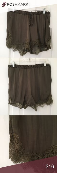 Olive Green Flowy Lace Shorts 💕Items from smoke and pet free home 💕Fast same or next day shipping 💕Any flaws are noted in description/photos 💕Packaging recycled/reused-please recycle 💕Please reach out with any questions! 💕Thank you for visiting my closet! H&M Shorts