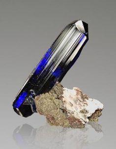 Quartz Geode, Diamond Quartz, Minerals And Gemstones, Rocks And Minerals, Natural Crystals, Stones And Crystals, Gem Stones, Healing Crystals, Crystal Magic