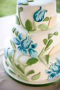 Painted Style Wedding Cake. #paintedwedding #paintedcake #weddingcake #cake #hisandhersconfections #watercolourcake