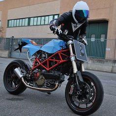 Italian Street Weapon: @vtopiadesign has designed a plug-n-play Tracker Kit for the Ducati Hypermotard. #ducati #ducatihypermotard #hypermotard #motard #supermoto #tracker #streettracker #custombike