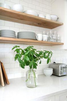 New Kitchen Tiles Modern Back Splashes Open Shelving Ideas Kitchen Interior, Scandinavian Kitchen, Kitchen Remodel, Kitchen Decor, New Kitchen, Kitchen Dining Room, Home Kitchens, Kitchen Shelves, Kitchen Renovation