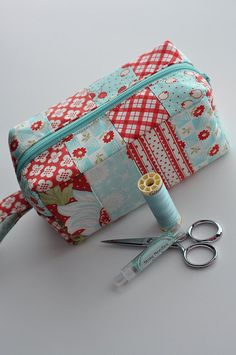 Christmas Red and Aqua Zippered Pouch Fabric Sewing Kit for Abby's Treasure Box Pattern (51)