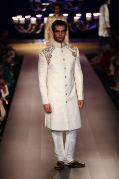 Soma Sengupta Fashion for the Indian Man- Elegant White! Indian Men Fashion, Indian Bridal Fashion, India Fashion, Mens Fashion, Mens Sherwani, Wedding Sherwani, Indian Groom Wear, Designer Suits For Men, Indian Man