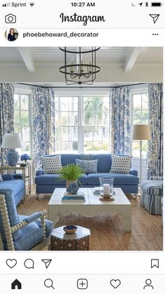 Black Dining Room Decor ideas - Should living room and dining room be same color? Black Dining Room Decor ideas - What colors make a room look bigger and brighter? Blue And White Living Room, Blue Living Room Decor, Coastal Living Rooms, New Living Room, Living Room Designs, Blue Living Room Furniture, Blue Rooms, White Rooms, White Decor