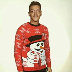 Hi guys. ✌ This @Arsenal winter jumper is nuts!  I would love to see everybody wearing it at our next home game.   #winterjumper #winteriscoming #gift