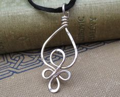 Celtic Loops Sterling Silver Wire Pendant - Celtic Necklace - Celtic Jewelry - Celtic Knot Necklace Jewellery