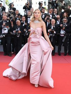 See all the best looks from the 2018 Cannes Film Festival (so far). - See all the best looks from the 2018 Cannes Film Festival (so far). Glam Dresses, Red Carpet Dresses, Fashion Dresses, Elsa Hosk, Fashion Mode, Couture Fashion, Tokyo Fashion, Silver Metallic Dress, Streetwear