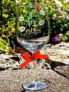 Etched wine glass etched with saying kiss my by KBGlassetching, $15.00