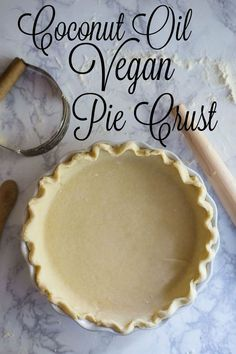 Coconut Oil Vegan Pie Crust- this pie crust recipe is SUPER easy to make and is the perfect, flaky pie crust for any pie that you want to bake!