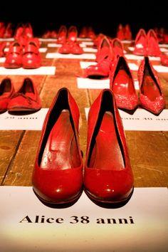 #Scarpe rosse per dire basta al #femminicidio